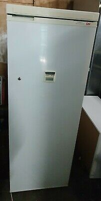 LEC PR900 Commercial Pharmacy Medical Lab FRIDGE, Tall Upright 277Litres