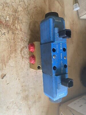 Vickers Directional Control Valve With Eaton Manifold DG4 New