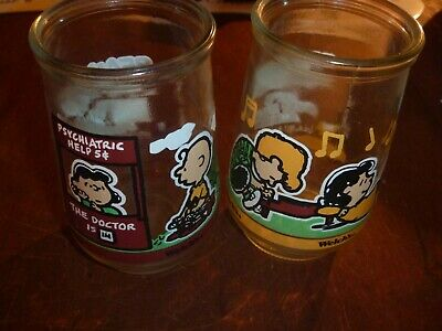 Welch's Jelly Jar 1994 Peanut's Comic Collection ( 2 )  #1 & 5