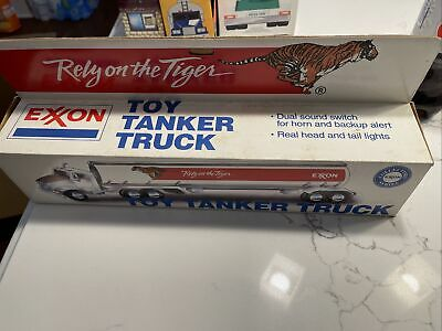 1993 Exxon Toy Tractor Truck With Tanker Trailer New In Box