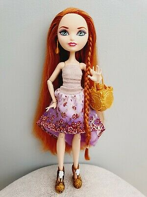 EVER AFTER HIGH - Holly O'Hair - First Chapter Doll