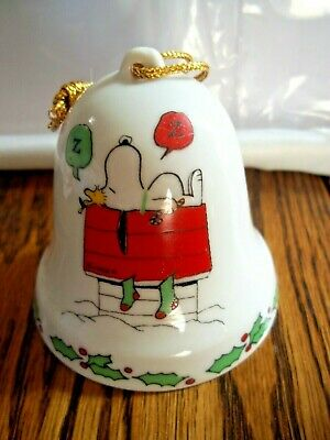 Vintage Peanuts Snoopy Ceramic Bell Ornament Excellent 1975
