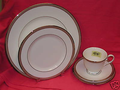 Lenox Onyx Frost 5 Piece Place Setting  NEW!