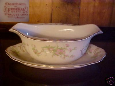 """SYRACUSE CHINA """"DEARBORN"""" GRAVY BOAT W/ATTACHED UNDERPL"""
