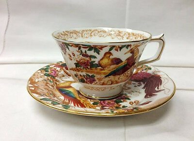 """ROYAL CROWN DERBY """"OLDE AVESBURY"""" TEACUP & SAUCER BONE CHINA ENGLAND NEW"""