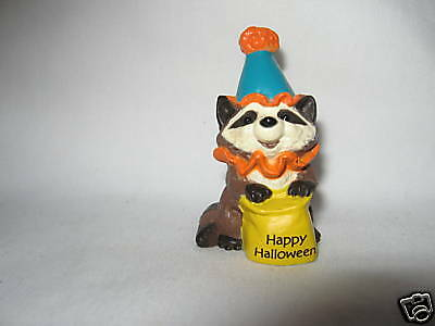 Hallmark Halloween Merry Miniature Racoon Clown 1989