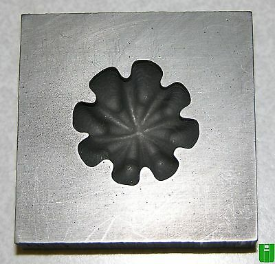 8 Pt Wide Groove Push Mold 2x2 Graphite Glass Lampwork