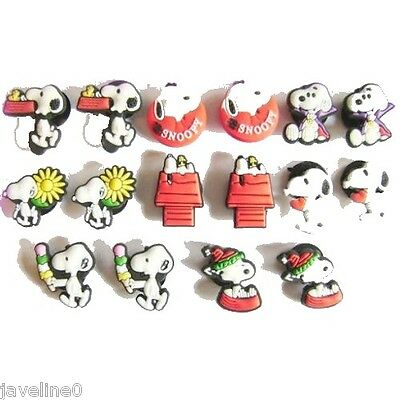 """16 Pins Clips """" Snoopy """" 8 styles Pour Chaussure Sabot Crocs BC 40"""
