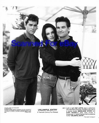 KURT RUSSELL Great Movie Photo UNLAWFUL ENTRY