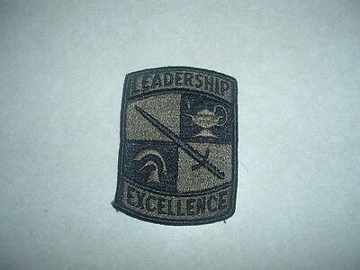 MILITARY PATCH US ARMY CADET COMMAND ROTC JROTC LEADERSHIP EXCEL  NEW OLD STOCK