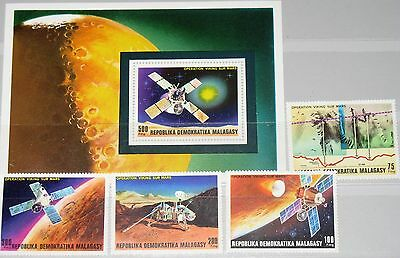 MADAGASCAR MALAGASY 1976 814-17 Block 15 Viking Project to Mars Space MNH