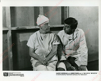 MASH TV SHOW Press Photo 8X10 HARRY MORGAN Jamie Farr 4077 M*A*S*H   Dragnet