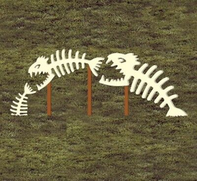 """NEW Halloween Lawn Art Yard Shadow/Silhouette - """"Scary Skeleton Fish"""" Up to 46"""""""