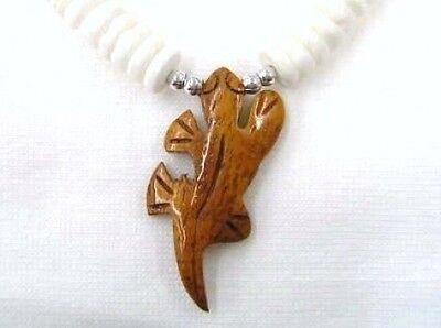 "Hawaiian Jewelry Wood Gecko Necklace White Clam Shell Beads 18"" Long # 30012"