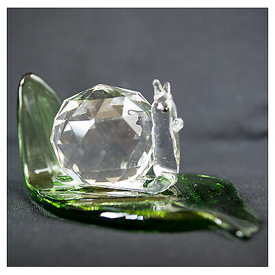 Crystal SNAIL on GREEN LEAF ornament come in gift box, lovely gift, animal, NEW