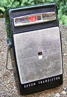 VINTAGE CHANNEL MASTER 7 SEVEN TRANSISTOR AM PORTABLE RADIO WORKING CONDITION