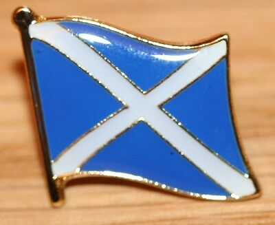 SCOTLAND - ST ANDREWS Cross Country Metal Flag Lapel Pin Badge