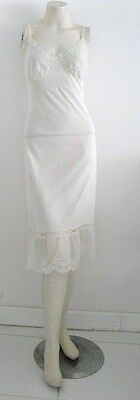 """MISS YOUTH FORM SLIP """"LOVE AT FIRST WEAR"""" 100% NYLON TRICOT SIZE 36 VINTAGE 60's"""
