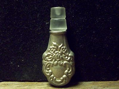 Vintage Antique? Silver Tone Small Ornate Flower Stopper to Decanter? Bottle?
