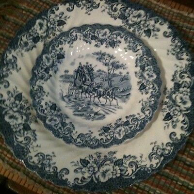 Lot Set 2 Johnson Brothers Blue Coaching Scenes Dinner & Bread Dessert Plate