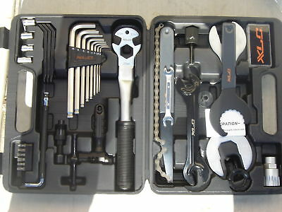 PRO BICYCLE MECHANICS XLC TOOL KIT 33pc BIKE BICYCLE REPAIR SET NEW!
