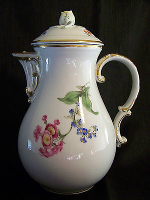 "MEISSEN Flower/Floral COFFEE POT - Rosebud Finial Lid + Matching 11"" PLATE"