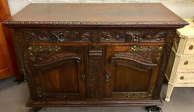 Antique British Oak Buffet/Sideboard—Late 1800s