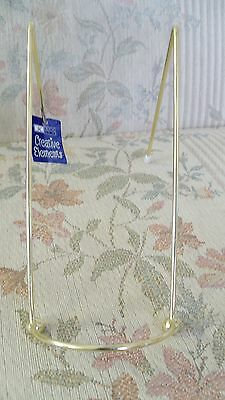 Colonial Williamsburg Gold Display Stand Easel NEW Plates Collectibles Photos