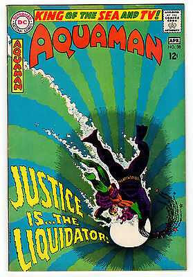 Aquaman #38 8.5 White Pages Silver Age