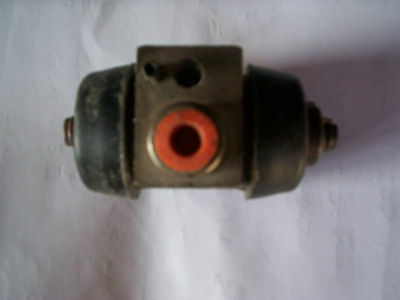 Leyland Sherpa Rear wheel cylinder. Unipart GWC1133 (Check listing for details)