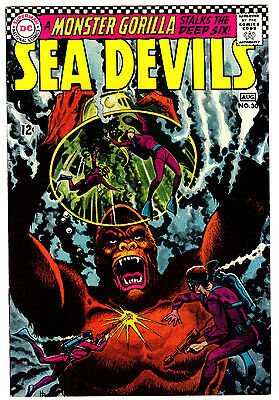 Sea Devils #30 8.0 Off-White To White Pages Silver Age