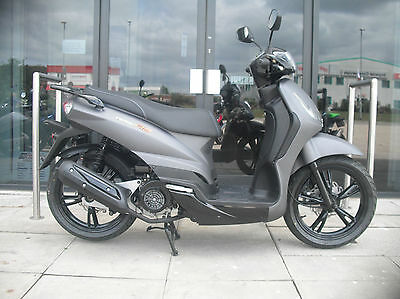 Peugeot Tweet RS 125 125cc BRAND NEW scooter moped learner legal
