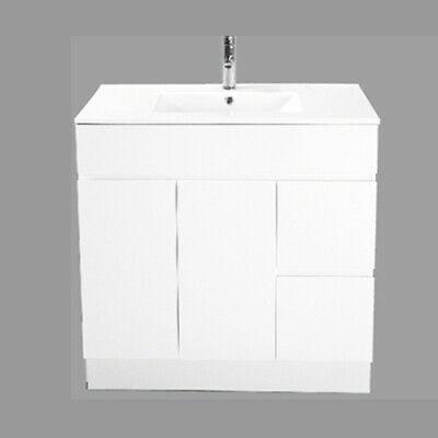 New 900mm Vanity, Ceramic Basin, Finger Pull, Soft Close Drawers and Doors