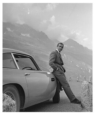 Sean Connery James Bond 007 Jaguar Vintage Poster - A1, A2, A3, A4 sizes