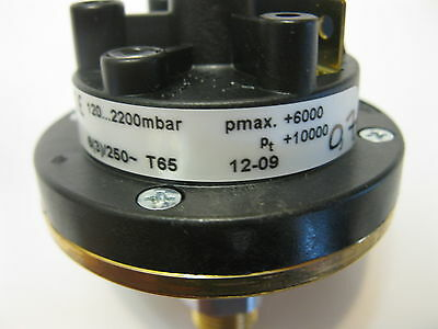 HUBA CONTROL 625.9634 Relative pressure switch Type 625 120....2200MBAR NEW!!!!!