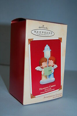 Hallmark 2002 Mary's Angels Magic Lighted 2 angels by lamp post  Ornament Series