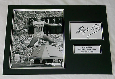 Mary Peters Olympics Munich 1972 Pentathlon Hand Signed Autograph Photo Mount