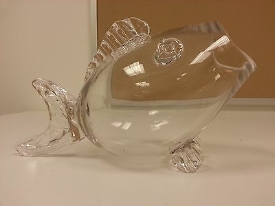 Gorgeous Clear Fish Shaped Fish Tank