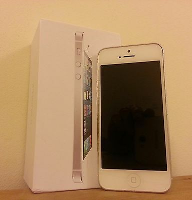 Apple iPhone 5 - 64 GB - Black & Slate (Unlocked) Smartphone