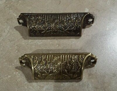 Bin Pulls kitchen drawer cabinet handles Windsor pattern one pair
