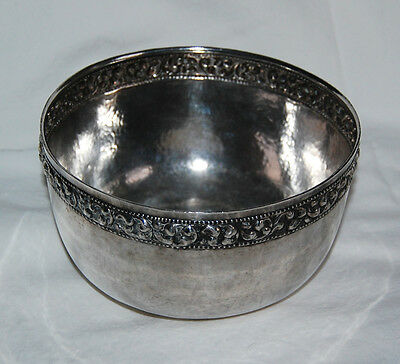 THAI SILVER BOWL - OLD, Solid Silver / ORNATE BAND                        (3G16)