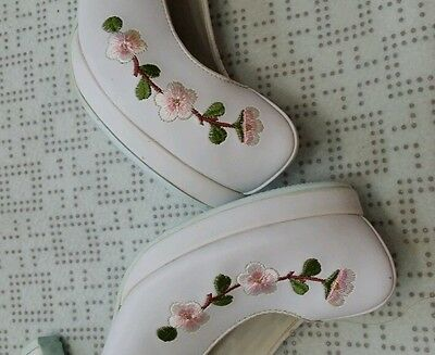 """Korean Traditional Clothes """"Hanbok Shoes"""" for WOMAN 245mm - size 7.5. N0.45-4"""