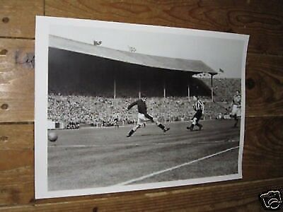 Jackie Milburn Newcastle Scores1951 FA Cup Final POSTER Verzamelingen