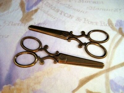 Large Antiqued Brass Scissor Stamping  (2) - ANTRAT3148 Jewelry Finding