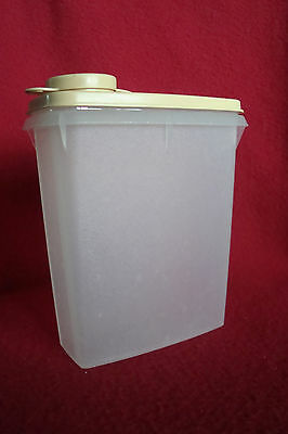Vintage 1970's Tupperware Junior Cereal Keeper Stk# 499 w/Lid & Spout Cap Gold