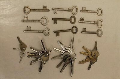 Lot of 34 Vintage, Old STEAMPUNK, Furniture, Padlock, Door, Cabinet Keys