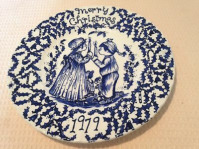 """ROYAL CROWNFORD """"A HAPPY HOLIDAY TO YOU 1979"""" COLLECTOR PLATE"""