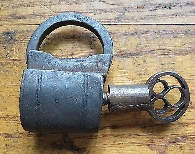 ANTIQUE HAND FORGED IRON SCREW KEY PAD LOCK with ORNATE KEY