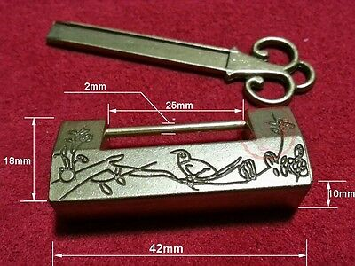 Chinese Old Style Excellent Carved Bird Flower Leaf Padlock Lock Key For Box