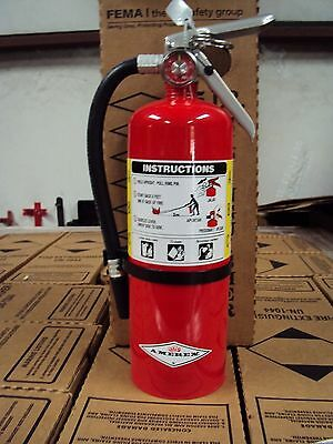 "New 2017 ""amerex"" 5-Lb Abc Fire Extinguisher With Wall Mount Bracket & Sign"